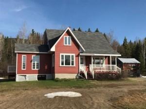 22919904 - Maison à étages à vendre
