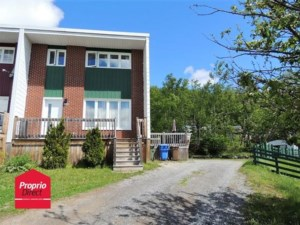 14055290 - Maison à étages à vendre