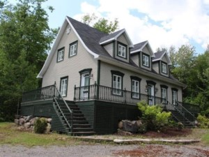 21693568 - Maison à étages à vendre