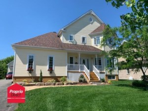 17187144 - Maison à étages à vendre