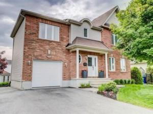 27713535 - Maison à étages à vendre
