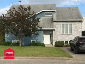 28783556 - Maison à étages à vendre