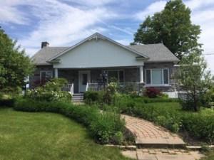 23500928 - Maison à étages à vendre
