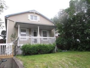 25961048 - Maison à étages à vendre