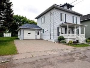 28253184 - Maison à étages à vendre