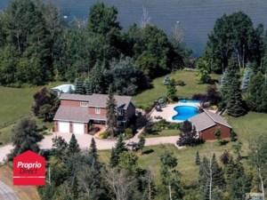 28711148 - Maison à étages à vendre