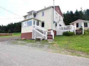 21090740 - Maison à étages à vendre