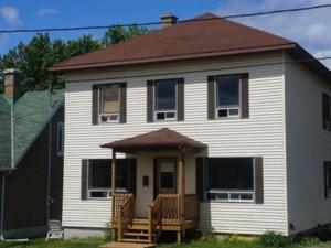 11019100 - Maison à étages à vendre