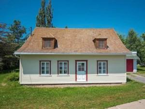 20100236 - Maison à 1 étage et demi à vendre