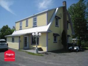 22262403 - Maison à étages à vendre