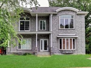 27171384 - Maison à étages à vendre