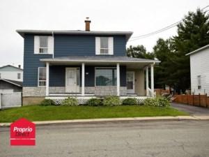 24872729 - Maison à étages à vendre