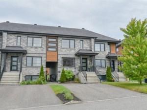 28692494 - Maison à étages à vendre