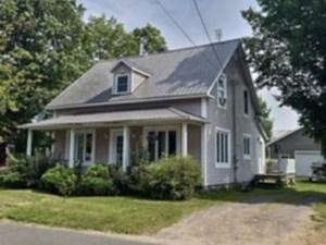 13390271 - Maison à étages à vendre