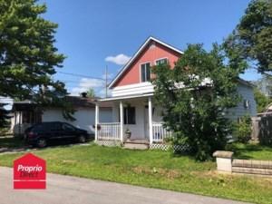 26357779 - Maison à étages à vendre