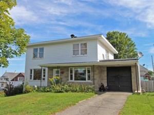 9378167 - Maison à étages à vendre