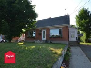 9435668 - Maison à étages à vendre