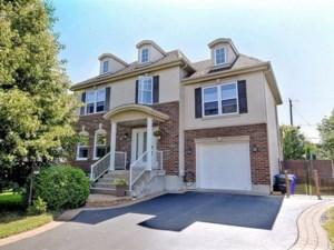 15167373 - Maison à étages à vendre