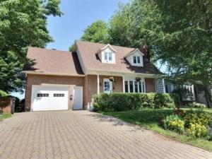 22791813 - Maison à étages à vendre
