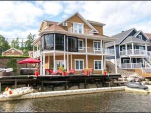 24915730 - Maison à étages à vendre