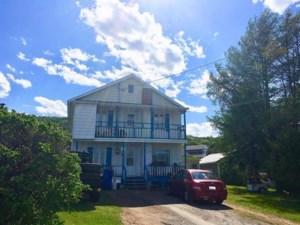 24554758 - Maison à étages à vendre