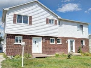 28266200 - Maison à étages à vendre