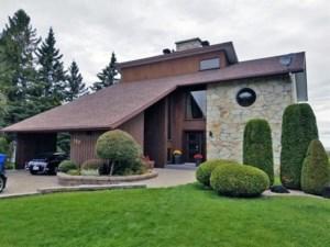 24591647 - Maison à étages à vendre