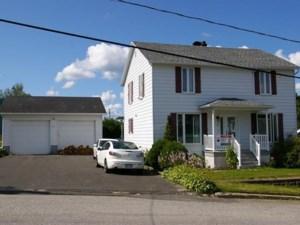 19988978 - Maison à étages à vendre