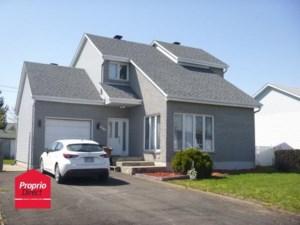 23913190 - Maison à étages à vendre