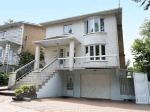 24895452 - Maison à étages à vendre