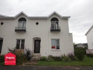 21337732 - Maison à étages à vendre