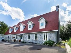 24913306 - Maison à étages à vendre