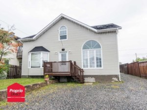 22642914 - Maison à étages à vendre