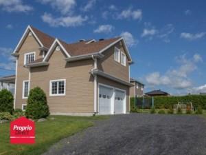 24976580 - Maison à étages à vendre