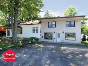 20962722 - Maison à étages à vendre