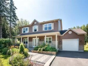 23115230 - Maison à étages à vendre