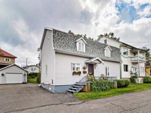 27028826 - Maison à étages à vendre
