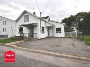 13810687 - Maison à 1 étage et demi à vendre