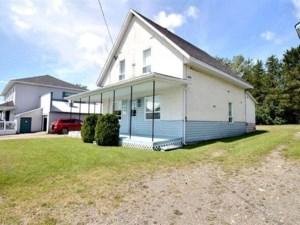 17672714 - Maison à étages à vendre