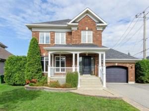 24992215 - Maison à étages à vendre
