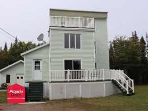 23101338 - Maison à étages à vendre
