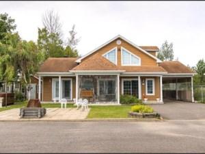 12774527 - Maison à étages à vendre
