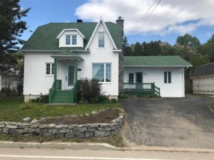 10441053 - Maison à étages à vendre