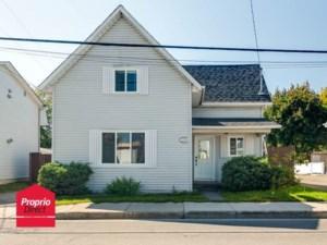 18359805 - Maison à étages à vendre