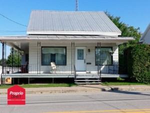 25167333 - Maison à étages à vendre
