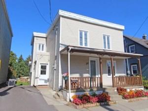 25906995 - Maison à étages à vendre