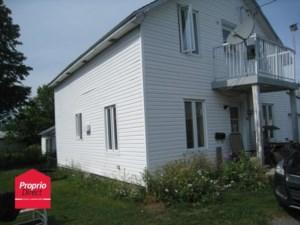 20103869 - Maison à étages à vendre