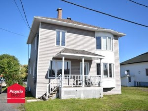 11976452 - Maison à étages à vendre