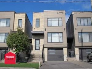 10113034 - Maison à étages à vendre
