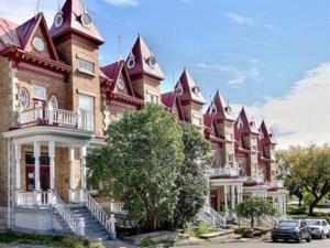 9373340 - Maison à étages à vendre